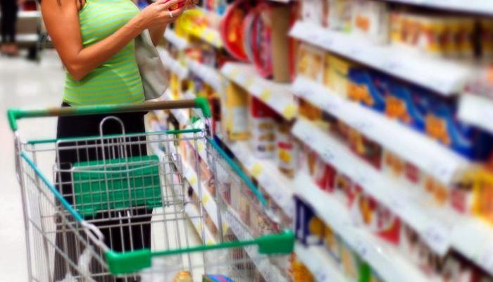 Redes de supermercado conseguem liminar que permite o atendimento aos domingos em Maringá.